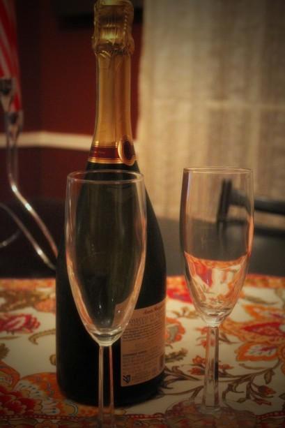 champagne new years eve glasses celebration bonne annee