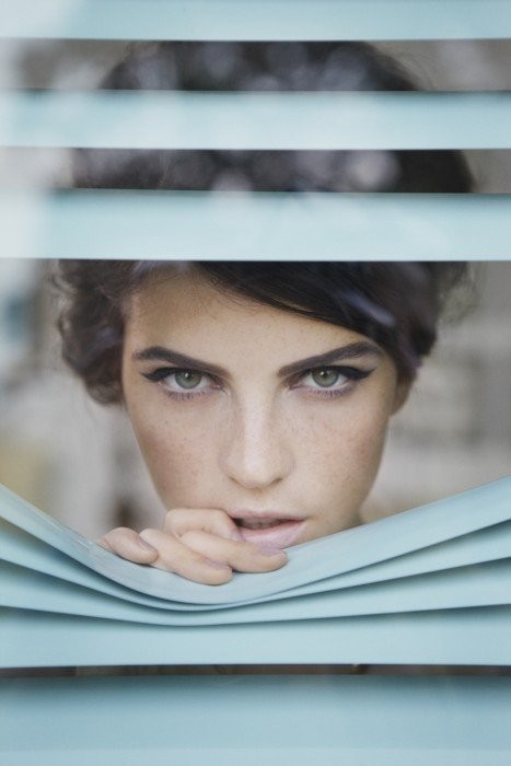 beautiful model makeup turquoise window photography vintage hairdo blinds