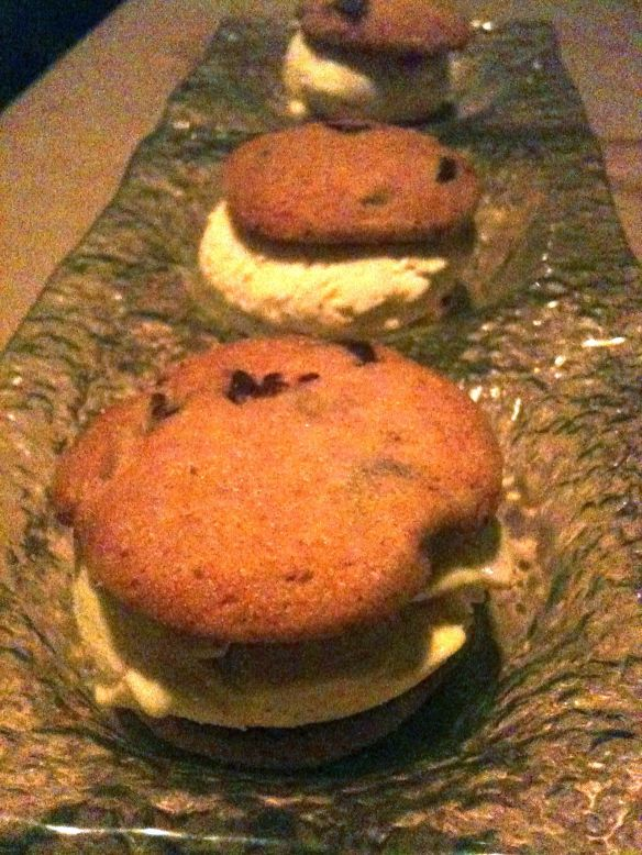 fresh baked chocolate chip cookie ice cream sandwiches dessert prix fixe dineLA restaurant week jiraffe french california fusion cuisine santa monica