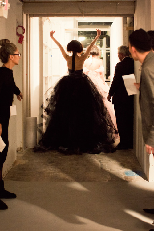 victory oscar de la renta new york fashion week 2012 glamorous glamour fashion couture runway show black gown success