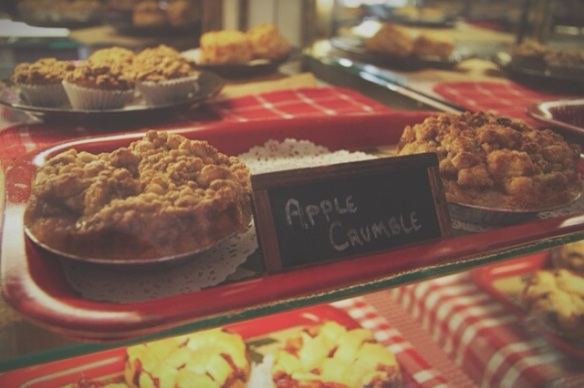 betty's pie whole, encinitas, california, desserts, personal pie, savory pie, wedding, weddings, planning, catering, apple crumble