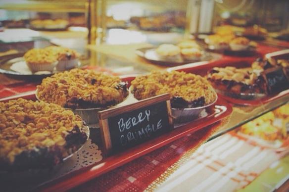 betty's pie whole, encinitas, california, desserts, personal pie, savory pie, wedding, weddings, planning, catering, berry crumble