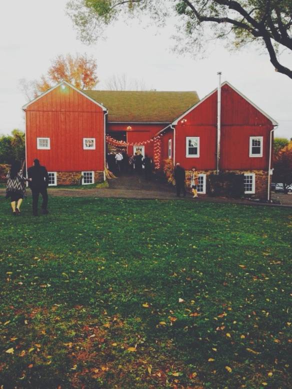 wedding, venue, barn, rustic, farm house, country, vintage, romantic, autumn, fall, pennsylvania, philadelphia, skippack, schwenksville, lochwood estate